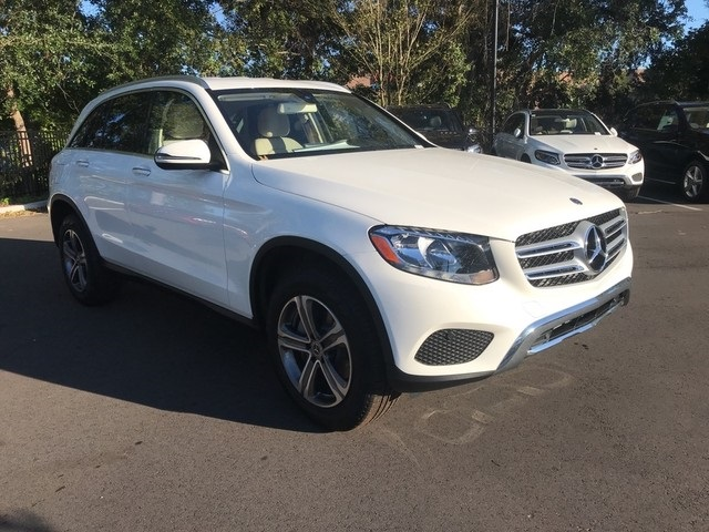 Pre-Owned Executive Demo - 2019 GLC 300W